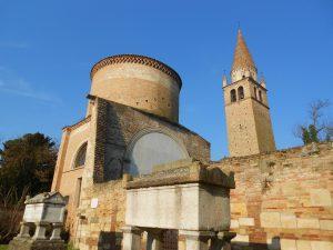 abbazia della Vangadizza, sepolcri di Alberto Azzo II d'Este e della moglie Cunegonda, Badia Polesine